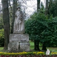 MONUMENTO A MANUEL IRADIER